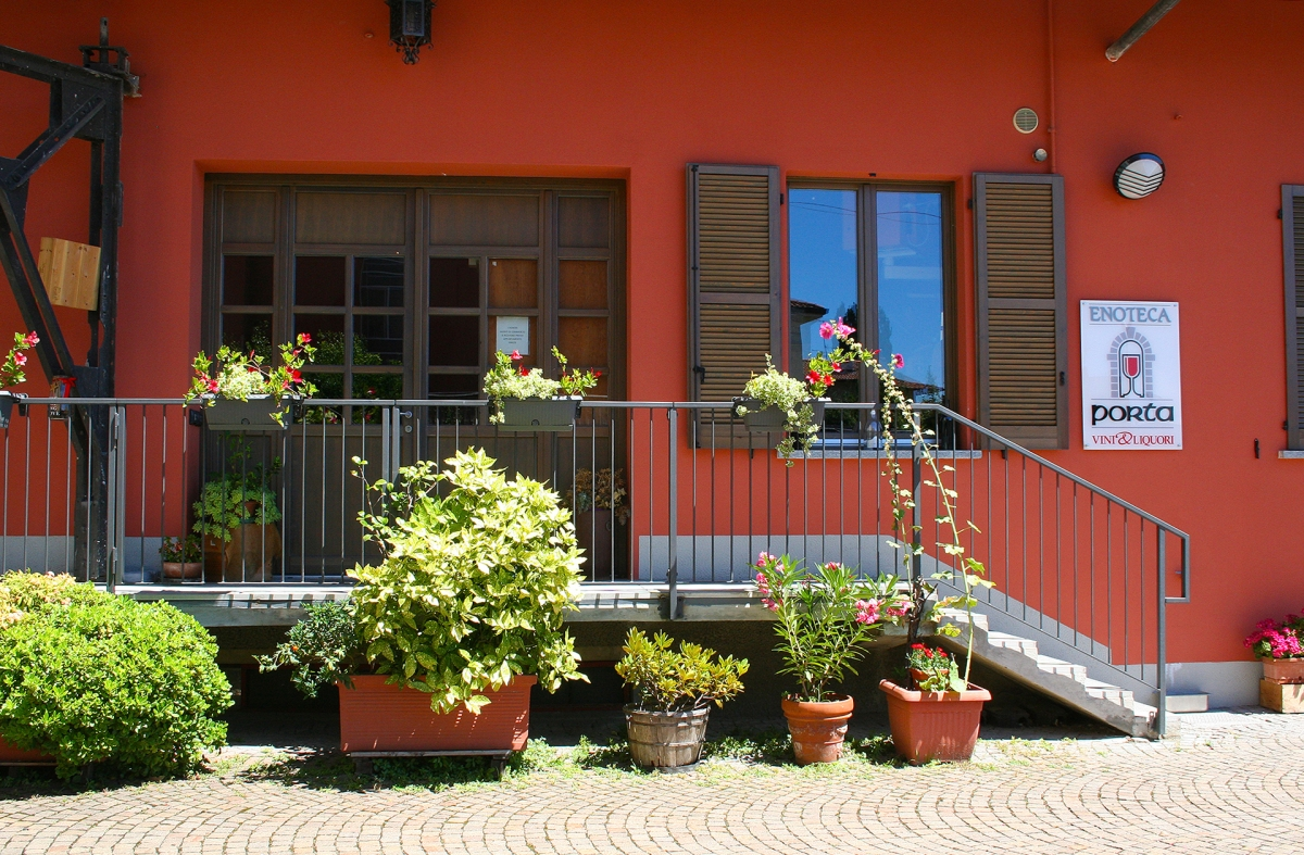 enoteca porta erba